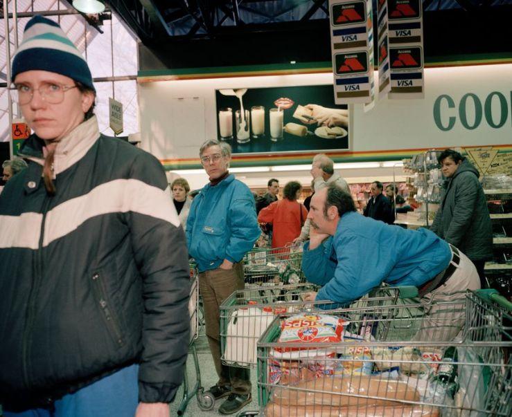 GB. England. Bristol. Nailsea. Gateway Supermarket. Customers. 1990.